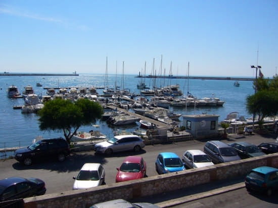 Panoramica dalla piazzetta del mercato - Manfredonia (2796 clic)