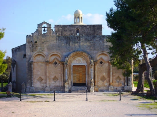Basilica di Siponto  (2548 clic)