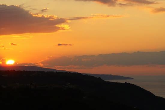 tramonto visto dalla mia finestra - Curinga (3062 clic)