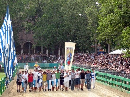 Il palio di Ferrara: la sfilata dei vincitori (4526 clic)