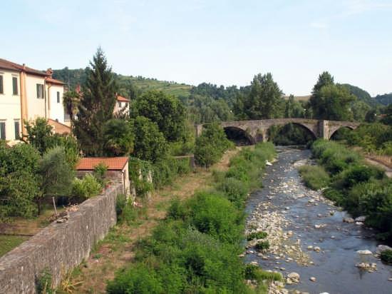 Uno dei ponti di Pontremoli - Pomtremoli (2473 clic)