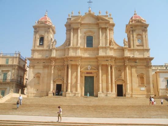 La restaurata cattedrale - Noto (5034 clic)