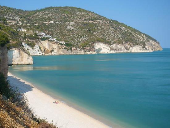 La spiaggia di mattinatella a settembre 2011 - Mattinata (981 clic)