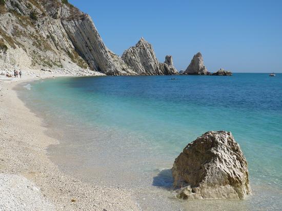 Spiaggia delle Due Sorelle  - Sirolo (1511 clic)