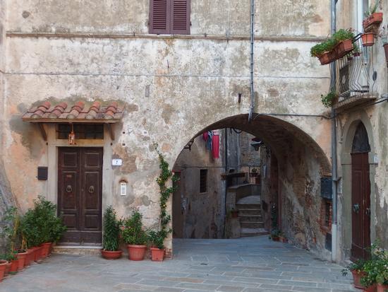 Tra vicoli e piazzette - Capalbio (545 clic)