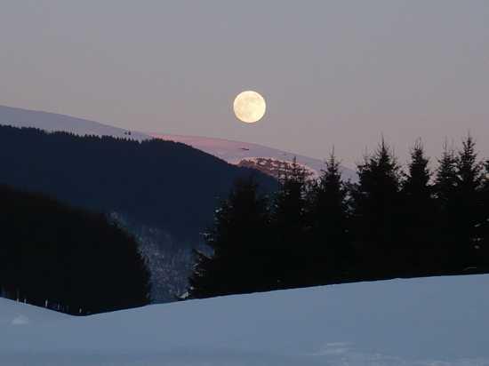 Luna piena su Asiago (2985 clic)