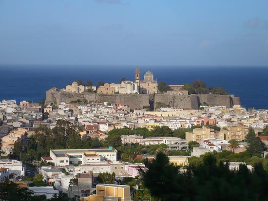 Il castello di Lipari visto dall'alto (4981 clic)