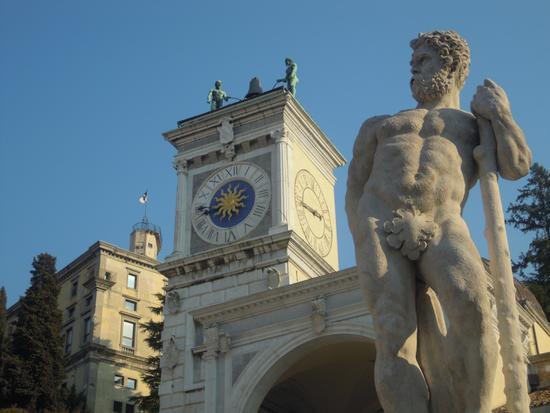 Piazza Libertà in Udine in Friuli * Italy (1371 clic)