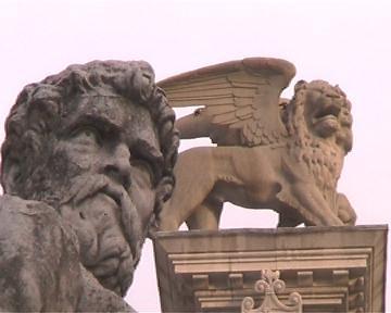 Elmagos B&B Udine:  Florean in piazza Libertà a Udine (3950 clic)