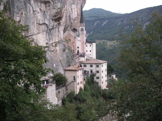 santuario madonna della corona - SPIAZZI - inserita il 27-Oct-08