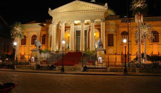 ABITO LUMINOSO - Palermo (3172 clic)
