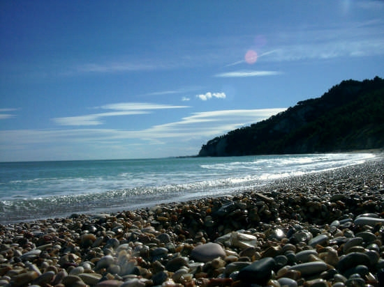 Spiaggia dei Sassi Neri  - Sirolo (10539 clic)