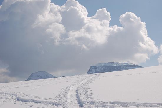 CIME TRA LE NUVOLE - Alpe devero (1597 clic)