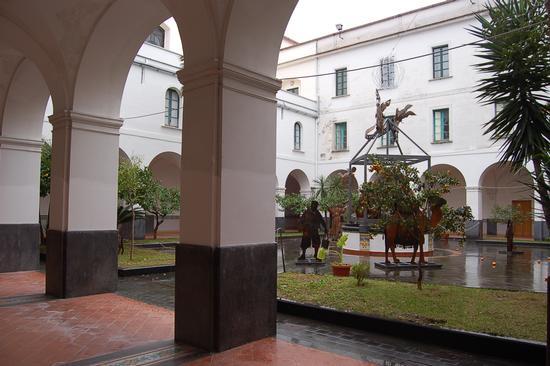 IL CHIOSTRO FRANCESCANO - Salerno (1980 clic)
