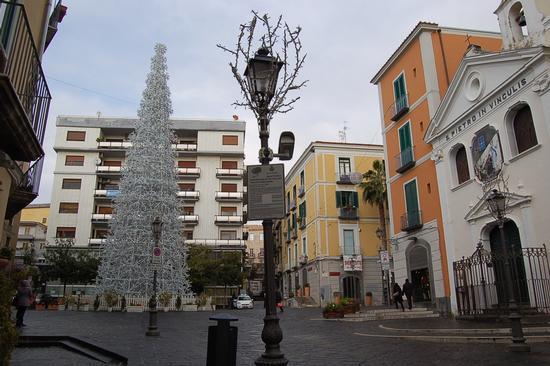 L'ALBERO DI NATALE - Salerno (1744 clic)