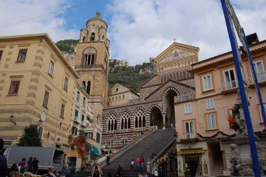 PIAZZETTA DEL DUOMO - Amalfi (3027 clic)