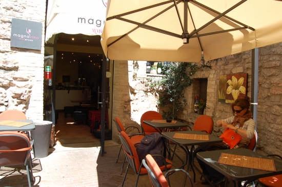 MagnaVino WineFood - Assisi (3970 clic)