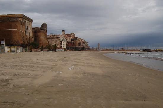 SCORCIO SULLA SPIAGGIA DEL BELVEDERE - Nettuno (4981 clic)