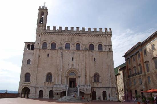 Palazzo dei Capitani - Gubbio (2754 clic)