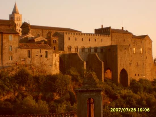 palazzo dei papi - Viterbo (3332 clic)