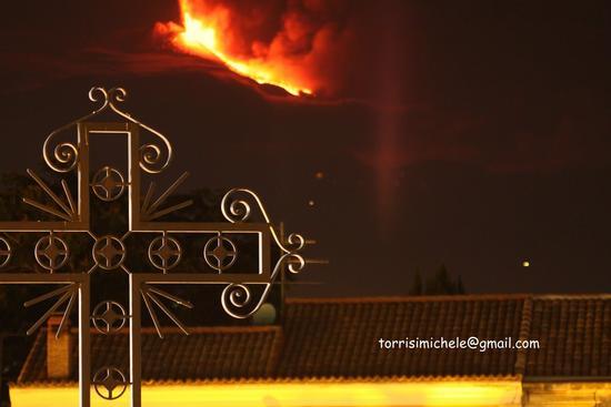 Etna eruzione del 30 luglio 2011 vista da Valverde (2490 clic)
