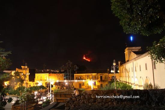 eruzione del 30 luglio 2011 vista da Valverde (2233 clic)