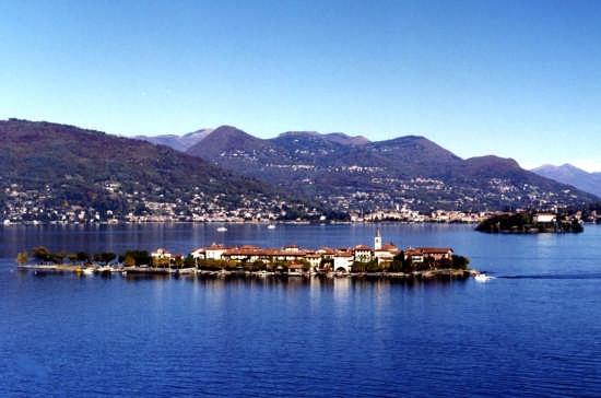 Isola Pescatori  e Isola Madre foto di Dario Paulon - Stresa (5217 clic)