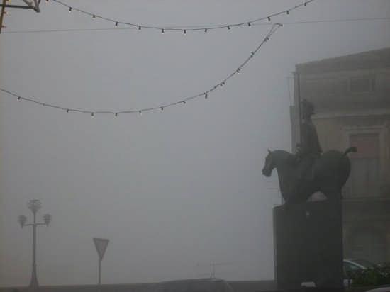 CALTAGIRONE -  Nebbia e Gualtiero - CALTAGIRONE - inserita il 22-Nov-08