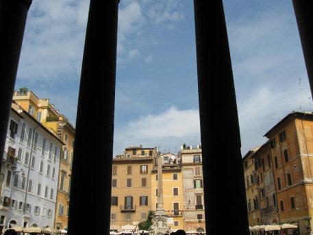 Roma - Piazza della colonna  (1724 clic)