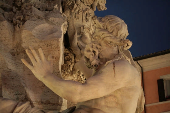 Fontana dei quattro fiumi - ROMA - inserita il 30-Dec-08