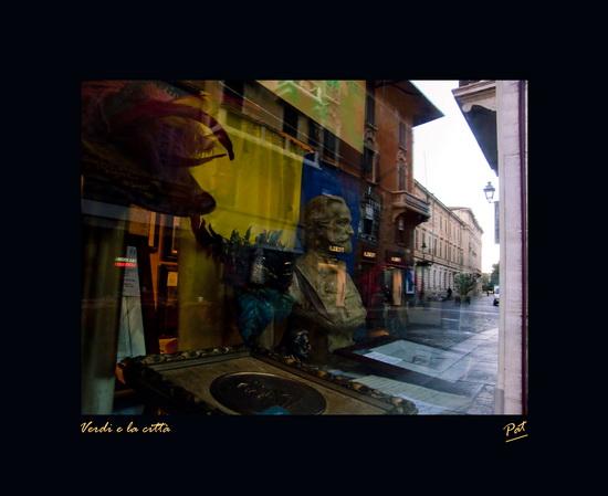 Vetrine verdiane - Verdi e la città - Parma (2550 clic)