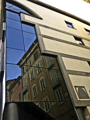 Riflessi cittadini - Parma (2698 clic)