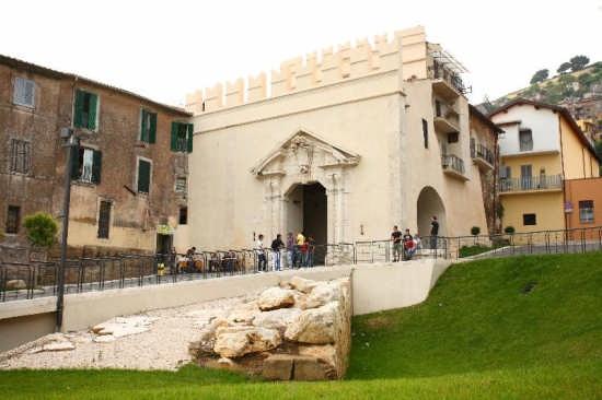 Porta Del Sole - Palestrina (3948 clic)
