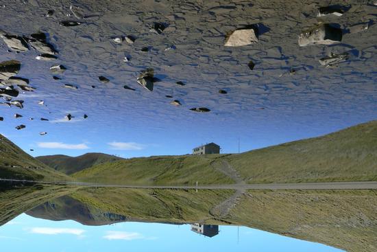 Riflessi al lago Scaffaiolo - FANANO - inserita il 23-Sep-13