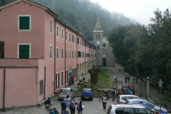 Santuario di Soviore - MONTEROSSO AL MARE - inserita il 11-Apr-09