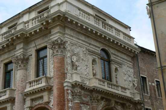 Palazzo del Capitanio - Particolare - Vicenza (2863 clic)