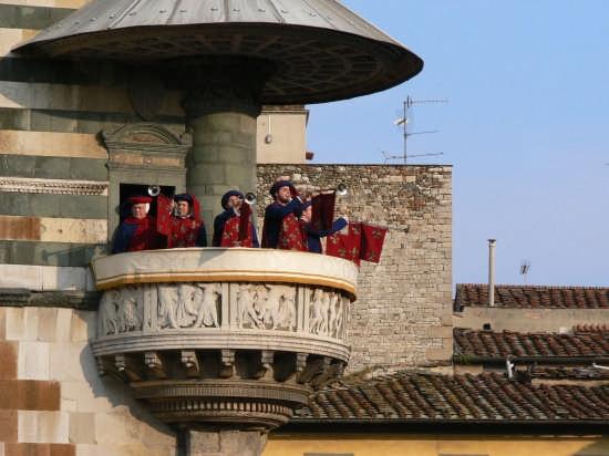 Ostensione della sacra cingola - Prato (3767 clic)
