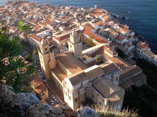 Cefalu' vista dalla Rocca - Cefalù (5899 clic)