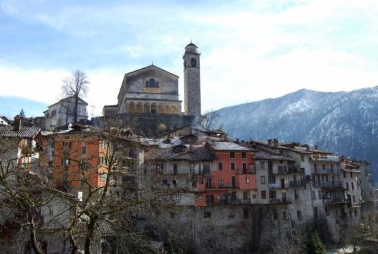 Bagolino, panorama con la Chiese di S. Giorgio (4448 clic)