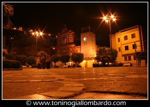 Piazza Umberto I - Calascibetta (3903 clic)