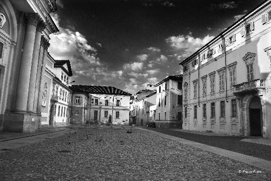 Piazza Duomo - Alessandria (1139 clic)