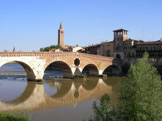 Ponte Pietra - Verona (4034 clic)