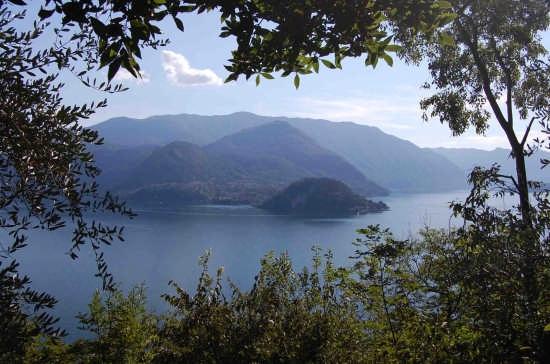 Punta di Bellagio da Vezio (2227 clic)