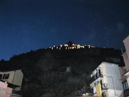 Il presepe illuminato più grande del mondo - Manarola (2694 clic)