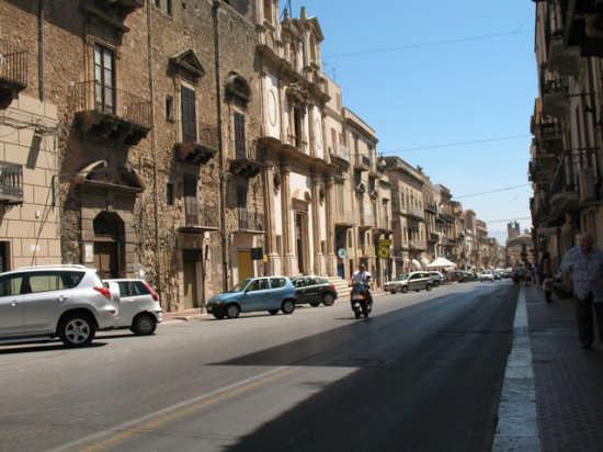 Corso VI Aprile - Alcamo (4558 clic)