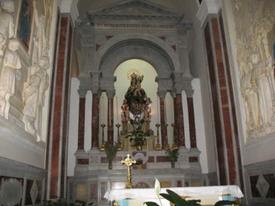 Interno della Basilica di S.Maria Assunta - Alcamo (2235 clic)