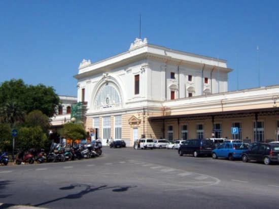 Piazza  Dante - Livorno (2152 clic)