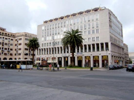 In piazza - Livorno (882 clic)