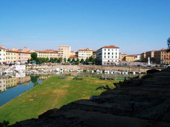 Uno sguardo - Livorno (1222 clic)