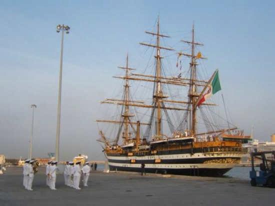 Nave scuola Amerigo Vespucci - Livorno (27646 clic)